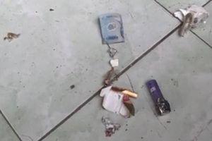 Bao thuốc lá kẹp tờ tiền bất ngờ phát nổ khiến một người đàn ông bị thương