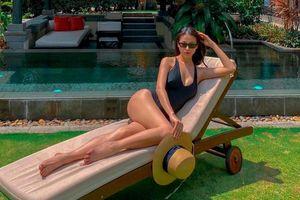 Hoa hậu Phương Khánh khoe đường cong nữ thần trong bộ đồ bơi khoét hông cao