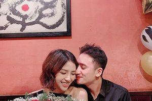 Đám cưới Phan Mạnh Quỳnh: Dân mạng trầm trồ trước hình ảnh thiệp mời và lễ đường tại quê nhà