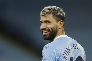 Juventus mời Aguero hợp đồng 2 năm