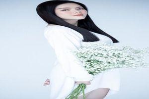Tin Showbiz Việt ngày 15/4: Lý Nhã Kỳ đẹp thoát tục, Châu Bùi đăng ảnh hồi nhỏ chứng minh chưa từng đụng chạm dao kéo