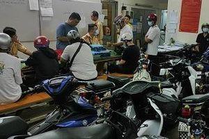CSGT Bến Thành xử phạt, tạm giữ 10 xe 'độ' của nhóm thanh thiếu niên