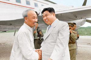 Ảnh hiếm hai lần gặp gỡ giữa Chủ tịch Hồ Chí Minh và Chủ tịch Kim Nhật Thành