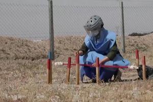 Đội rà phá bom mìn toàn nữ ở Iraq