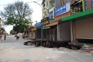 Khẩn trương lập dự án khắc phục sự cố hố sụt lún đất tại xã Quảng Bị (Chương Mỹ)
