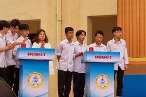 Học sinh Hải Phòng hứng thú với cuộc thi chế tạo robot