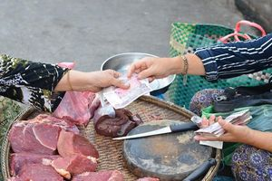 Campuchia điều tra vụ giá thực phẩm tăng sau lệnh phong tỏa