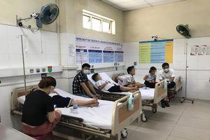 Đà Nẵng: Hàng chục học sinh nhập viện cấp cứu nghi do chơi đồ chơi slime