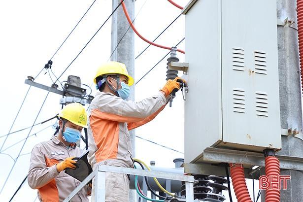 Hơn 26 tỷ đồng nâng cấp lưới điện vùng biên Hà Tĩnh