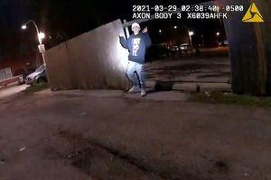 Cảnh sát Chicago công bố video cảnh sát bắn chết thiếu niên 13 tuổi