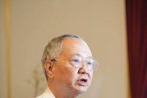 Nhà văn Nguyễn Như Phong: 'Thời trẻ tôi có ước mơ làm... lái xe'