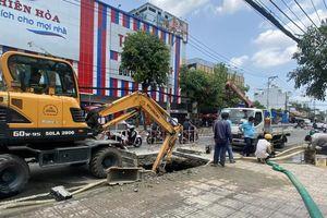 Khẩn trương khắc phục sự cố 'hố tử thần' trên đường Huỳnh Tấn Phát