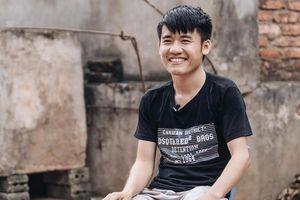 Sau loạt 'phốt' về kênh YouTube, Hưng Vlog khoe ảnh tậu xe mới khiến dân tình bất ngờ