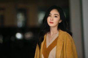 Sau chỉ trích 'khoe eo hại thân', Dương Mịch tiếp tục 'đu trend' mới
