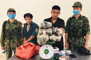 Thanh Hóa bắt giữ hai đối tượng vận chuyển 16kg nhựa thuốc phiện, heroin