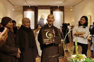 Triển lãm sách và thư pháp của Thiền sư Thích Nhất Hạnh ở Hà Nội