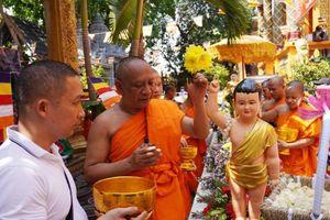 TP.HCM: Lễ Tắm Phật mừng Tết cổ truyền Chôl Chnăm Thmây