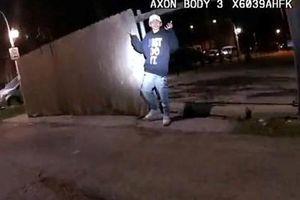 Cảnh sát Mỹ bắn chết cậu bé 13 tuổi đang giơ tay đầu hàng