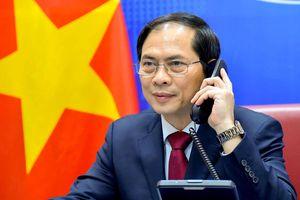 Bộ trưởng Bùi Thanh Sơn điện đàm với ngoại trưởng Trung Quốc