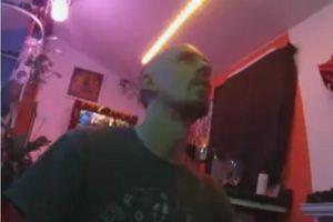 Vì tiền, người đàn ông tuyên bố livestream trong 10 năm