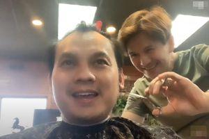 Ca sĩ Vân Trường làm thợ cắt tóc ở Mỹ