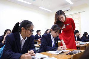 Tuyển sinh vào lớp 10 của Hà Nội: 'Nóng' do chỉ tiêu tuyển sinh ít?