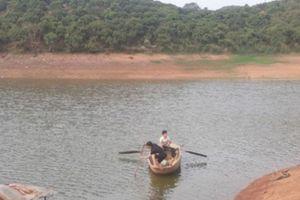Trượt chân xuống hồ, 3 học sinh tiểu học đuối nước thương tâm ở Bắc Giang