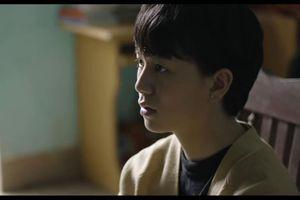 Không còn mạnh mẽ như trong 'Về nhà đi con', Bảo Hân được khán giả thương ngay từ tập 1 'Hãy nói lời yêu'