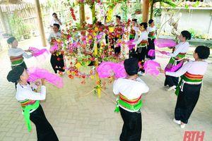 Về mường Khoòng nghe chuyện bảo tồn giá trị văn hóa Thái