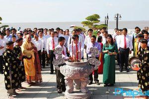 Lễ dâng hương Đức Quốc tổ Lạc Long Quân tại Mũi Cà Mau