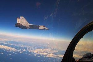 Chuyên gia giải thích tại sao đối thủ rút lui trước MiG-31