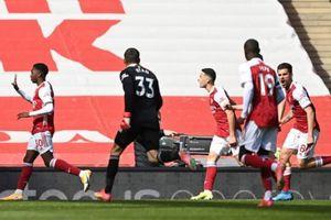 Vòng 32 Premier League: Arsenal hòa Fulham 1-1 trên sân nhà