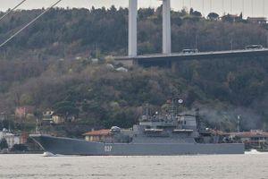 Tàu chiến Nga tiến vào biển Đen giữa thời điểm căng thẳng