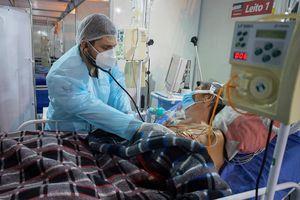 COVID-19 tới 6h sáng 18/4: Thêm trên 10.800 người tử vong; Ấn Độ nguy cấp với kỷ lục buồn