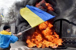 Chiến tranh ngoại giao Nga – Ukraine bùng phát: Hai bên trục xuất quan chức ngoại giao của nhau