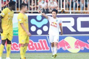 Xuân Trường lập siêu phẩm xé lưới Hà Nội FC khiến sân Pleiku nổ tung