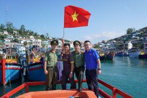 Tổ chức chương trình 'Thanh niên hướng về biển đảo' năm 2021