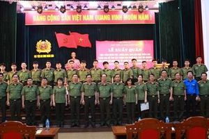 Học viện ANND đưa học viên về hỗ trợ đồng bào tại huyện Mường Lát