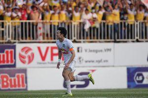 Hoàng Anh Gia Lai thắng tối thiểu Hà Nội FC trong trận cầu gay cấn
