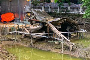'Pháo đài bay' B52 phơi xác hoàn toàn khi hồ Hữu Tiệp rút cạn nước