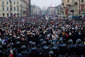 Phe ông Navalny kêu gọi biểu tình 'bảo vệ tính mạng' cho ông