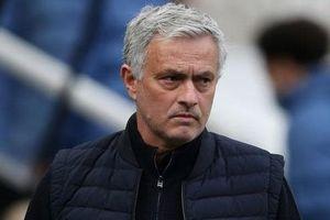 Cạn kiệt niềm tin với Jose Mourinho