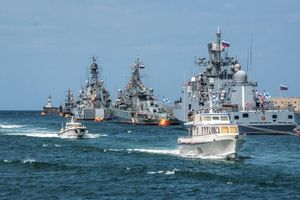 Hơn 20 tàu Nga lập đội hình chiến đấu hướng về Ukraine và Romania