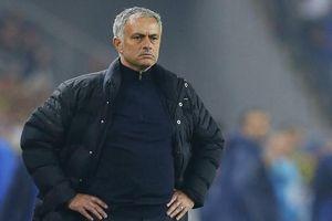 Tottenham 'trảm tướng' Jose Mourinho