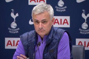 HLV Jose Mourinho bị Tottenham sa thải