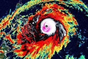 Philippines 'thở phào' vì siêu bão đầu tiên trong năm không đổ bộ đất liền