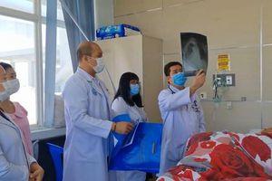 19 y bác sĩ bệnh viện Chợ Rẫy Phnom Penh phải cách ly vì tiếp xúc với bệnh nhân COVID-19