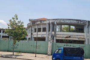 Trường xây gần 20 tỷ đồng bị bỏ hoang hơn 10 năm, ai chịu trách nhiệm?