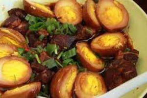 Cách nấu thịt kho tàu với nước cốt dừa không ngán