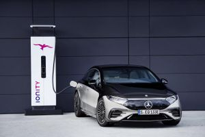 Mercedes-Benz trình làng sedan thuần điện hạng sang